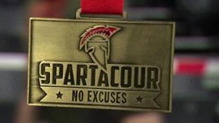 Spartacour-Abzeichen aus Metall