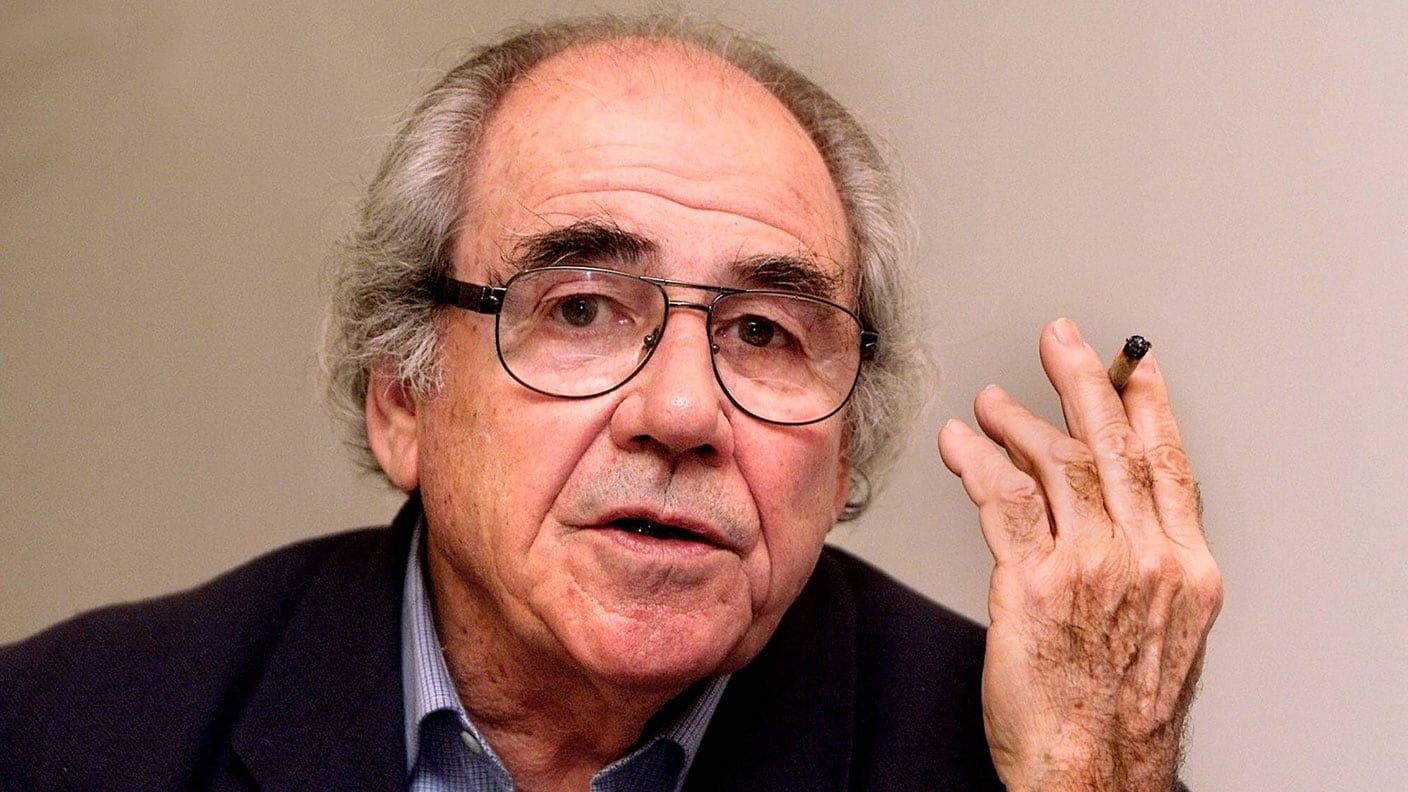 jean baudrillard Jean baudrillard (/ ˌ b oʊ d r iː ˈ ɑːr / french: [ʒɑ̃ bodʁijaʁ] 27 july 1929 – 6 march 2007) was a french sociologist, philosopher, cultural theorist, political commentator, and photographer.