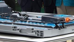 Mit eigenen Batteriesystemen will Daimler die Produktion von E-Autos beschleunigen
