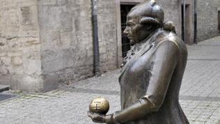 Skulptur von Georg Christoph Lichtenberg in Göttingen