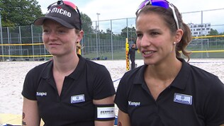 Das Beachvolleyball-Duo Julia Sude (li.) und Chantal Laboureur