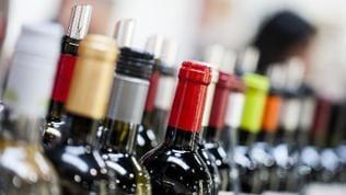 Im Supermarkt sind viele Kunden überfordert von der Auswahl. Glück haben nur Produkte, die auffallen und sich gut vermarkten - auch beim Wein.