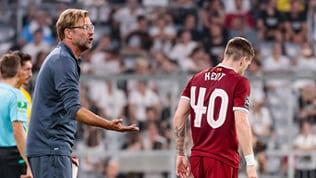 Jürgen Klopp (li.), der TRainer des Liverpool FC, und Ryan Kent