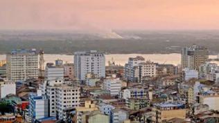 Häuser einer Stadt in Myanmar