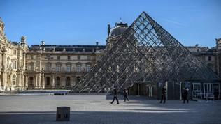 Der Louvre nach den Terroranschlägen in Paris