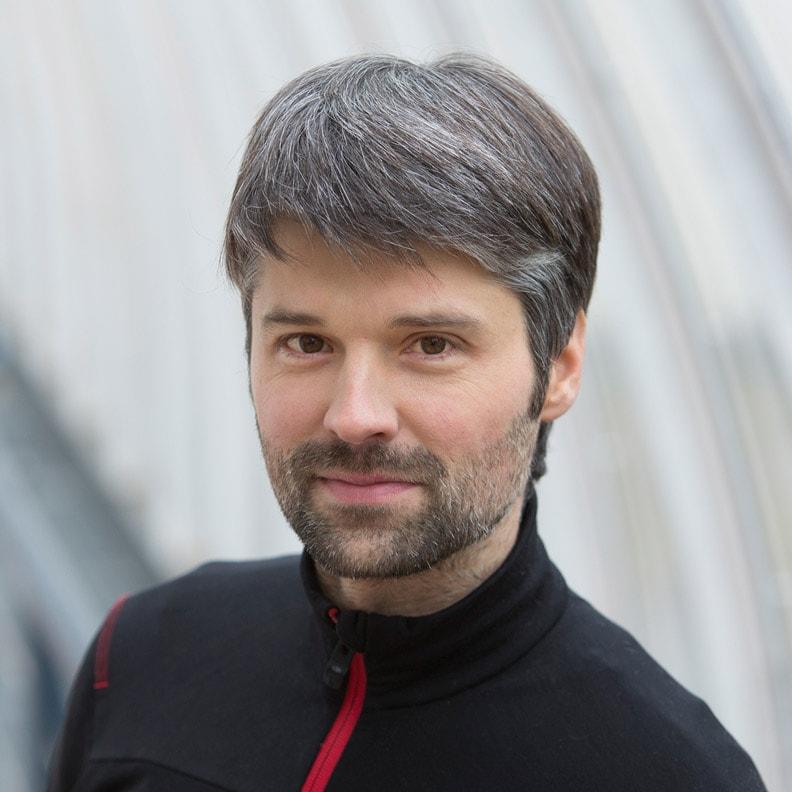 Der Moderator Jochen Steiner