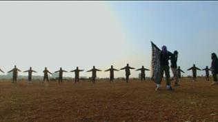 Die Kinder beim Appell im Ausbildungscamp der Al-Nusra Brigaden