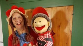 Marion Bauer ist auf dem Foto zu sehen, sie grüßt damit ihre hessische Verwandten, die alles im Fernsehen verfolgen.