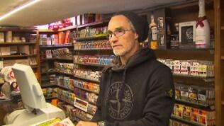 Dieter Kitzmann in seinem Tabakladen