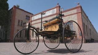 Nachbau des Benz Patentmotorwagens Nr. 3 vor dem Automuseum Dr. Carl Benz in Ladenburg