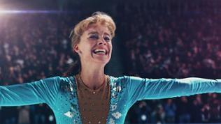 Die junge Eiskunstläuferin Tonya Harding (Margot Robbie) ist ein Ausnahmetalent. 1991 gewinnt sie die US-amerikanische Meisterschaft und erlangt weltweit Ruhm.  Drei Jahre später findet sie sich inmit