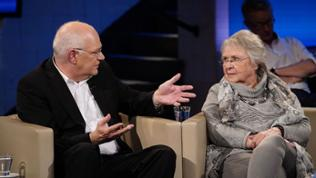 Prof. Dr. Stefan Sell und Renate Paulat (v.li.)