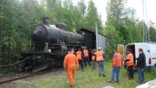 Vor einem halben Jahrhundert hat die Schwedische Armee jeweils fünfzig Dampf- und Dieselloks über das ganze Land verteilt und für militärische Notfälle eingemottet.