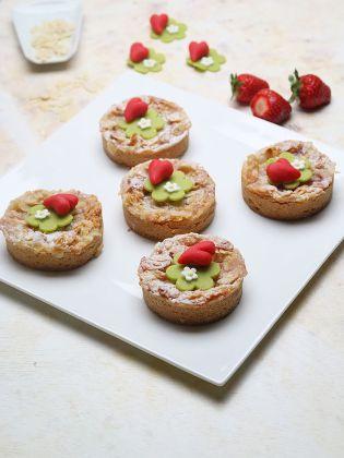 Vanille-Erdbeer-Törtchen