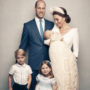 Familienportrait zu Prinz Louis Taufe