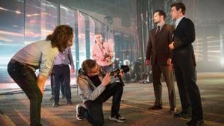 """Regisseur Christopher McQuarrie führte bereits im fünften Teil der Mission Impossible Reihe Regie und arbeitete mit Hauptdarsteller Tom Cruise auch bei """"Operation Wallküre"""" zusammen."""