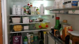 Bei ihrem Fotoprojekt hält die gelernte Produkt- und Werbefotografin alle Details in den Kühlschränken der Menschen fest.