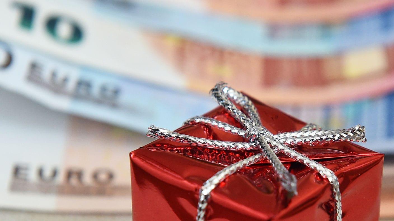 Weihnachtsgeschenke als Schnäppchen: Die perfekte Strategie für den ...