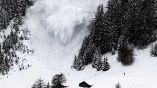 Lawinen-Experiment in der Schweiz