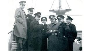 Historisches Bild Hermann Töpperwien mit Herbert Pätzel auf einem sowjetischen Marineschiff.