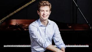 Alexej Gorlatch (Klavier)