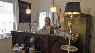 """Carmen Münzing in ihrem Café """"einzignichtartig"""""""
