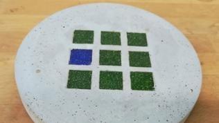 Fertiger Mosaik-Betonuntersetzer