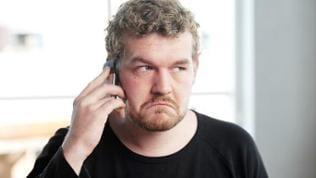 Am Telefon ist es schwieriger andere Menschen beim Lügen zu ertappen.
