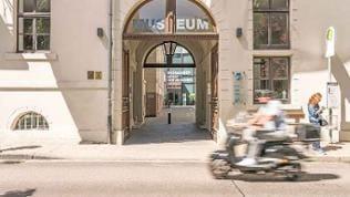Haupteingang des Museums LA8