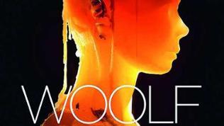 """DVD-Cover: Woolf Works - Ballettmusik zu den Novellen """"Mrs. Dalloway"""", """"Orlando"""" und """"The Waves"""" von Virginia Woolf."""