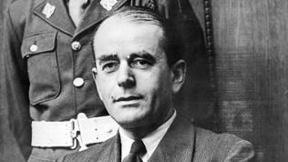 Der Architekt und NS-Politiker Albert Speer am 12.6.1946 auf der Anklagebank des Nürnberger Justizpalastes.