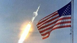 Start von Apollo 11 am 16. Juli 1969. An Bord die Astronauten Neil A. Armstrong, Michael Collins and Edwin E. Aldrin.