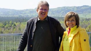 Annette Krause mir Förster Wolfgang Richter im Pfrunger Ried