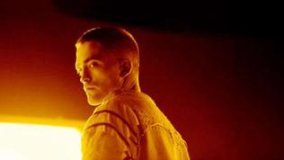 Monte wird gespielt von Robert Pattinson.