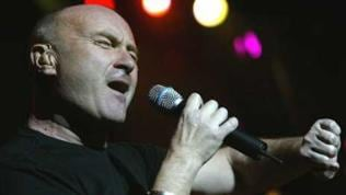 "Phil Collins singt bei Film-Preview ""Bärenbrüder"""