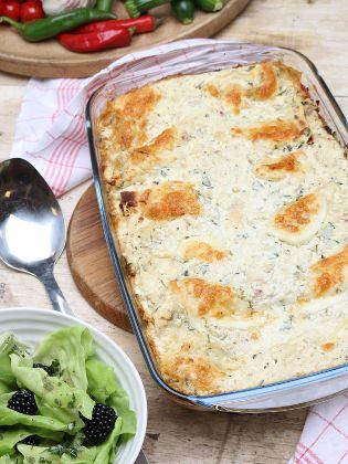 Vegetarische Lasagne mit fruchtigem Kopfsalat