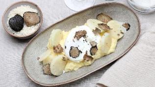 Kartoffel-Sellerie-Püree mit pochiertem Ei