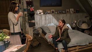 Folge 1042 - Jenny und Celine unterhalten sich in Jennys Dachgeschosswohnung