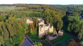 Eine mystische Märchenwelt braucht natürlich auch ein entsprechendes Schloss.