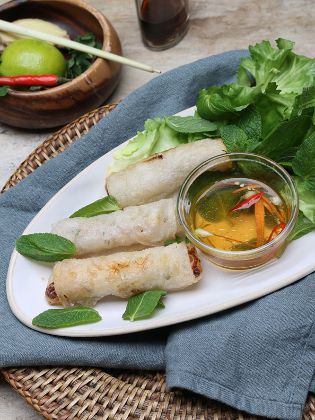 Vietnamesische Frühlingsrollen mit Fisch