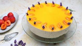 Aprikosen-Lavendel-Torte