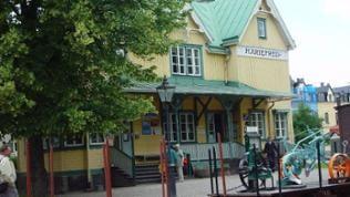 Das wundervoll nostalgische Bahnhofsgebäude von Mariefred.