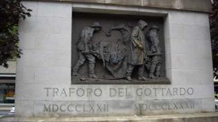 Das Denkmal für die Arbeiter, die die Gotthard Strecke erbaut haben