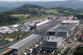 Der Neubaukomplex des Projekts Nürburgring