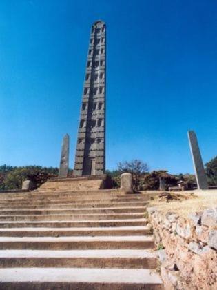 Stele Nr. 3, größte noch stehende Stockwerkstele in Aksum