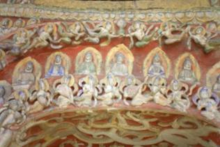 Der Buddhismus hat seine weltabgewandte Strenge verloren. Er wird bunter, ist jetzt Volksreligion.