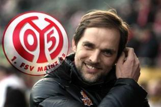 Thomas Tuchel, Trainer Mainz 05 mit dem Logo des 1. FSV Mainz 05