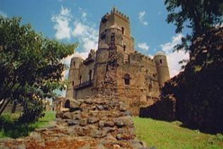 Ein zu Stein gewordenes Feldlager, das sind die Paläste von Fasil Ghebbi eigentlich.