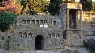 Reste Friedhofanlagen Pompeij