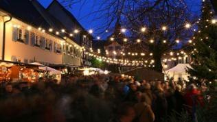 Blick auf den Weihnachtsmarkt Vogtsburg-Burkheim